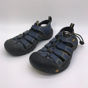 KEEN Newport H2 Youth Size 2 Sandals